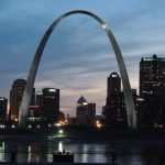 Photograph of the Gateway Arch monument in St. Louis in the U.S. state of Missouri